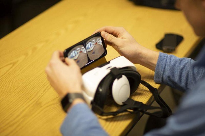 Garrison Waugh prépare la promenade VR