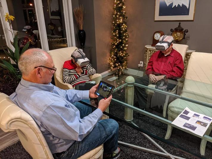 Avec MyndVR, les personnes âgées peuvent tout explorer, des feuillages d'automne aux villes européennes, en réalité virtuelle.