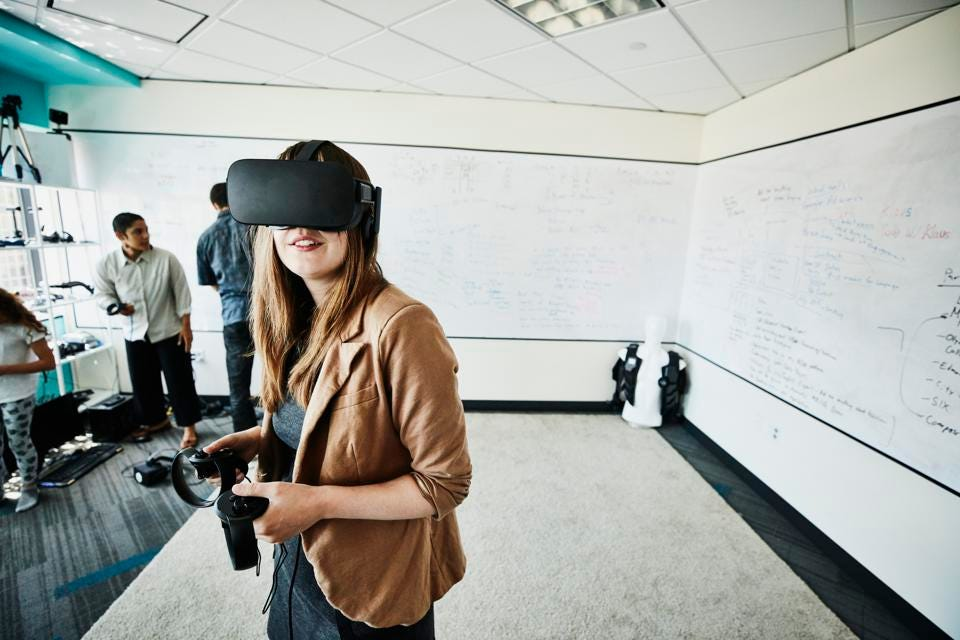 Comment former efficacement les employés avec la réalité virtuelle